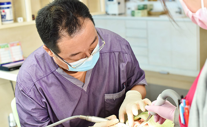 今ある歯を大切に、歯を残す治療を行います